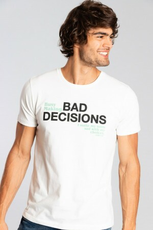 Camiseta Bad Decisions